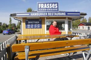 Det blev ganska ensamt för Jörgen Blom (V) vid borden i centrala Krokom på söndagseftermiddagen. Han hade hoppats att få sällskap av förstagångsväljare.