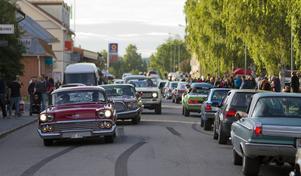 Det är inte ofta bilkö i Hammarstrand, men i lördags kväll var det det.