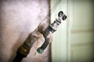 Vattenledningarna är obrukbara.