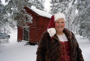 Monica Åkerhjelm Bergström vill slå ett slag för jämställdhet och solidaritet genom att vara tomtemor på julafton.