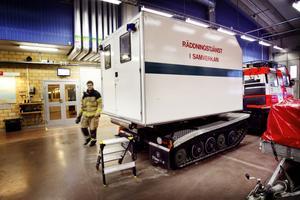 En ambulansmodul är redo och har hakats på bandvagnen.