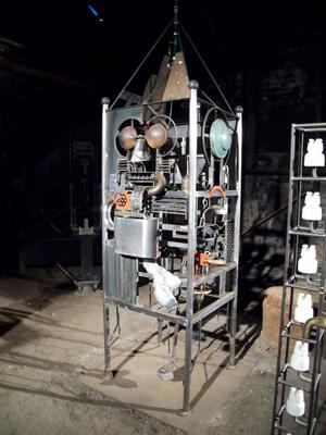 Jörg Jeschke, är den enda konstnären som deltagit två gånger i Avesta Art. Här skulpturen Maskintorn.