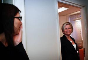 Det är mycket att göra innan nätverkskontoret slår upp portarna med öppet hus från onsdag till fredag den här veckan konstaterar Kicki Palmqvist och Malin Palmqvist.Malin Palmqvist och Bibbi Jonasson är två företagare med olika behov av kontorslokaler. Malin hyr en dag i veckan medan Bibbi Jonasson hyr ett rum för hela månaden.