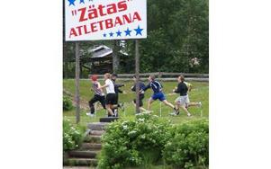 Hård fysisk träning läggs det stor vikt på under elitveckorna i Furudals hockeyskola.FOTO: HANS BLOOM