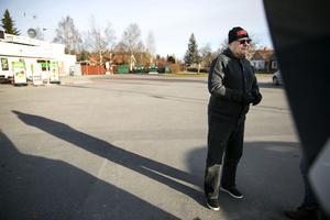 Kjell Gustafsson, ordförande i Sundborns vägförening.Vid ett extrainsatt styrelsemöte i Sundborns vägförening konstaterade ordförande Kjell Gustafsson att alla pengar försvunnit. Nu har man inte råd att betala för snö- och halkbekämpningen.