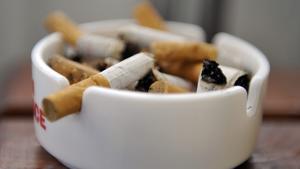 Rökfritt gäller även medarbetare på Återbruket, säger ansvariga på Vafab Miljö. (Foto: Bertil Ericson)