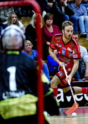 Het, hetare, Anton Samuelsson. På de tio senaste seriematcherna har forwarden gjort 20 poäng – tolv mål och åtta assist.