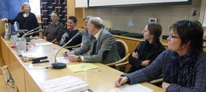 Vid ett seminarium i Ljusdal diskuterades möjligheter och farhågor med den nya lagen av en panel bestående av från vänster Gun-Britt Mårtensson, Per Iversén, Helena Brink, Katarina Lindberg, Magnus Johannesson, Anki Vedmark och Marie Ångström.