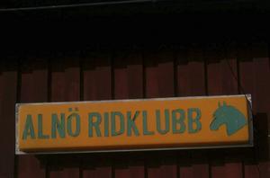Alnö Ridklubb kan tvingas stänga ner.