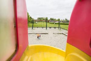 I en av Matfors lekparker har bland annat ett inspringsskydd monterats ned.