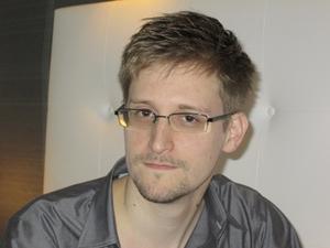 Edward Snowden avslöjade hur USA i hemlighet övervakar bland annat Facebook.