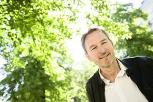 Tomas Ledin kommer till Skansen i årets första program.