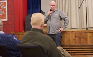 Svante Isaksson pratade i Tännäs om konflikterna i fjällen.