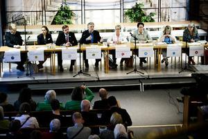 Det var fullt till sista bänkrad när åtta kandidater till Europaparlamentet besökte Betelkyrkan i går kväll.