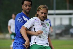 Gottnes Mats Falck från en match mot Sollefteå i augusti 2014. Det var Falcks sista säsong som spelare. I lördags hoppade han in och spelade sista halvtimmen mot Stöde.    Foto: PERNILLA NÄSLUND/Arkiv