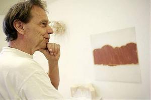 Även Johan Ledung har länge varit verksam i Örebros konstnärsliv och bland annat tilldelats landstingets kulturpris 2002.