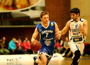 Gustav Hansson spelade bra i andra halvlek och gjorde 15 poäng - den som höll uppe kvalitéen bäst i Jämtland.