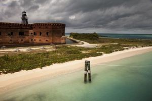 Fort Jefferson omges av ljuvligt turkost hav.