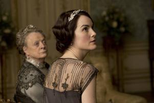 Herrskap på Downton Abbey, Dame Maggie Smith Michelle Dockery med näsorna upp.
