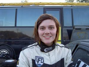 Jessica Persson har startat säsongen på bästa sätt. Hon leder Hälsingeserien i rally och vann i helgen länets folkracepremiär i Krokom.