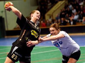 Lina Larsson får snart sin gamla lagkompis Carolina Järlstam vid sin sida i allsvenskan.