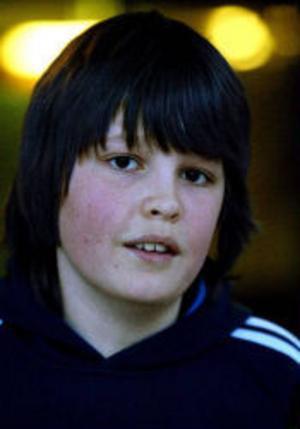 Christofer Ärleryd, 14 år, Vi, Alnö:– Jag brukar spela World of Warcraft. Man gör en gubbe och försöker bli bättre och bättre och komma upp till en högre nivå. Mamma och pappa tycker kanske att jag spelar för mycket ibland.