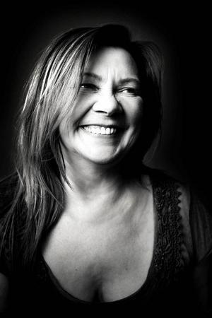 Marie Boine räknas ibland som den moderna samiska musikens främsta artist. Hennes samsiska ursprung och språk använder hon som bas och med det blandas influenser från hela världen. Hon spelar på Gamla Teatern, onsdag 5 februari.