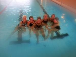 Badbrudar som simmat varje torsdag på Fjärran i snart tio år Ingalill Lindborg, Gunilla Jernberg, Anita Öberg, Lillemor Andersson, Marianne Eklöf, Stina Lindgren
