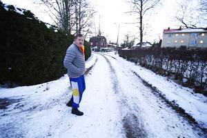 Anders Nilsson, tidigare ordförande i Hede vattensamfällighetsförening, tycker att föreningen borde borra en ny brunn i stället för att ta in kommunalt vatten.