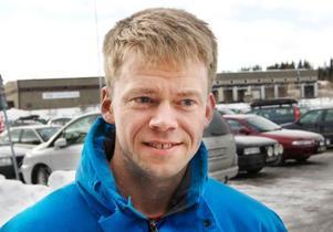 Niklas Dahlqvist, Odensala– Aldrig, jag törs inte. Jag vill hellre ha kontakt med en säljare.