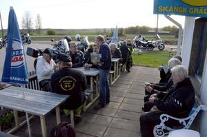 Motorkafé. Premiär för Isle of Man club motorkafé vid Ribboda mc service i Övratorp.