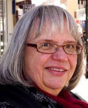 """Gudrun Olsson, 60 år, Östersund:– Nej. Jag tycker att det är väl """"nationalistiskt"""" i Jämtland. Det är ständigt detta """"Jamtland, Jamtland, jamt och standut""""."""