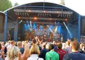 Publiken hade tur med vädret under konserten.
