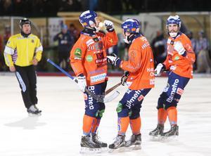 Målfirma Mickelsson/Hellmyrs stod för två patenterade samarbeten – det sista gav också segermålet i Rättvik Arena.