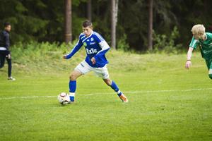 Nermin Crnkic var den store liraren när Färila tog säsongens första trepoängare och krossade Näsviken med 12-0.