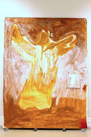 Att man lyckats få hit så många verk av Cecilia Edefalk är en prestation, menar LT:s Torbjörn Aronsson. Här hennes oljemålning