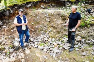 Berthold Jonsson och Göran Eliasson är passionerade mineraljägare.