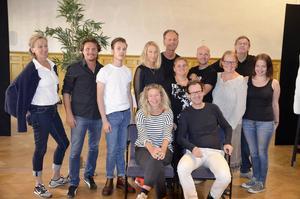 Skådespelarna i teatern är Sofia Andersson, Jan Boholm, Nanny Nilsson, Anders Öhrström, Jonas Jonsson, Martin Häggström, Tord Lundgren, Camilla Weidman, Anna Lax (saknas på bilden), Malin Dahl samt Hans Thörn.