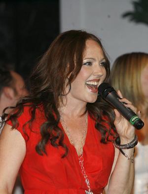Hanna Hedlund varvade körsång med solo, bland annat långa sånger från sitt album.