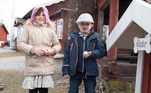 Vid lekstugan fann kusinerna Tilda Morell och Noel Morell vad de letade efter.