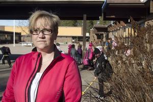 Protesterar. Marie Mojlanen, en av de föräldrar som vill att barnen i årskurs sex ska slippa gå på Lindboskolan.