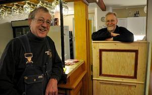 Sten-Ove Hedfors och Kjell Forsberg är två av de pensionärer som lagt ner mycket tid på att få Maltes nya lokal i skick.