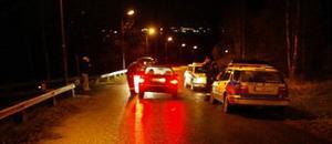 Bilar som passerade i närheten av villan däör rånet ägde rum stoppades av polisen.