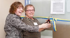 Invigde utställning. Karin Wetzel och Anette Wennerström från Kulturföreningen Vi i Viksäng invigde en utställning om stadsdelens historia under söndagen.