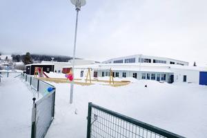Trafiksäkerheten brister vid Lövsta förskola. Enligt föräldrarådet saknas bland annat vägbulor.