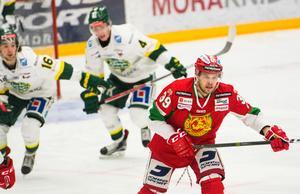 Jacob Nilsson fick ett game-misconduct-straff efter sin checking from behind. Foto: Elin Bergvik Eriksson