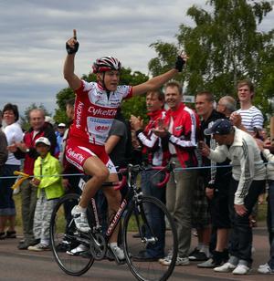 """Ja, där satt den. Petter Renäng vann SM på Sollerön 2004. Nu kan också lägga till en """"riktig"""" seger i Solleröloppet."""