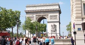 Paris är populärt, men kanske inte på grund av fransmännen som framröstats som otrevliga.