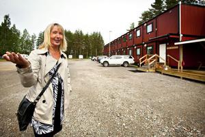 Karin Höckenström är kassör i Jädraås AIK och mycket nöjd med att idrottsplatsen gjorts i ordning för föreningen.