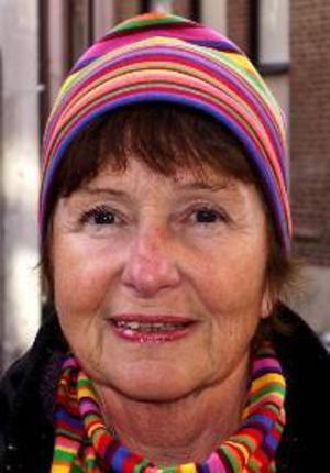 Marie  Nordin, 66 år, Torvalla:– Ja, Malena Ernman – operasångerskan.  Jag tycker att melodin är härlig. Det är bra vers och refräng. Det är en bra helhet.